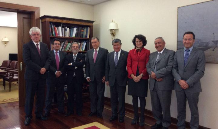 El presidente de la Asociación Colombiana de Rectores (ASCUN) y rector de la Universidad de El Valle, Iván Ramos, se ha reunido con el consejero de Educación y rectores de Castilla y León.